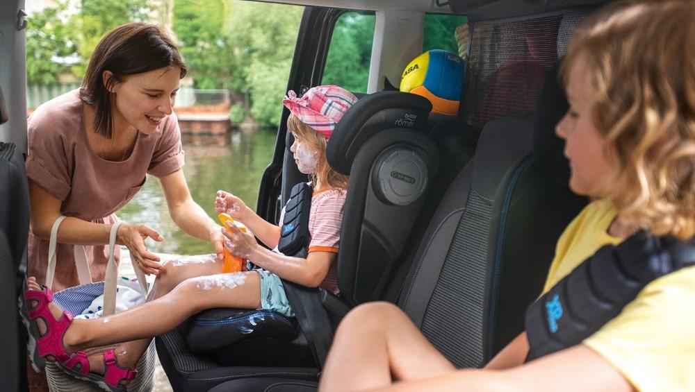 Способы крепления детских кресел в автомобилях